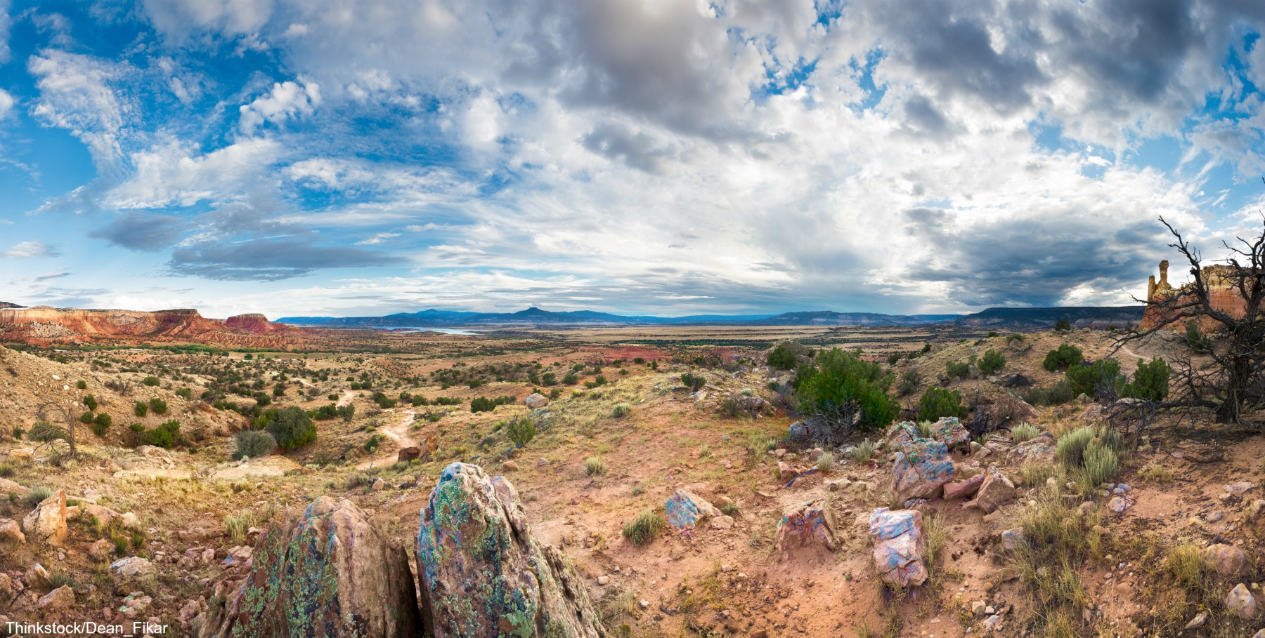 Panoramic view of the red rocks area in northern New Mexico
